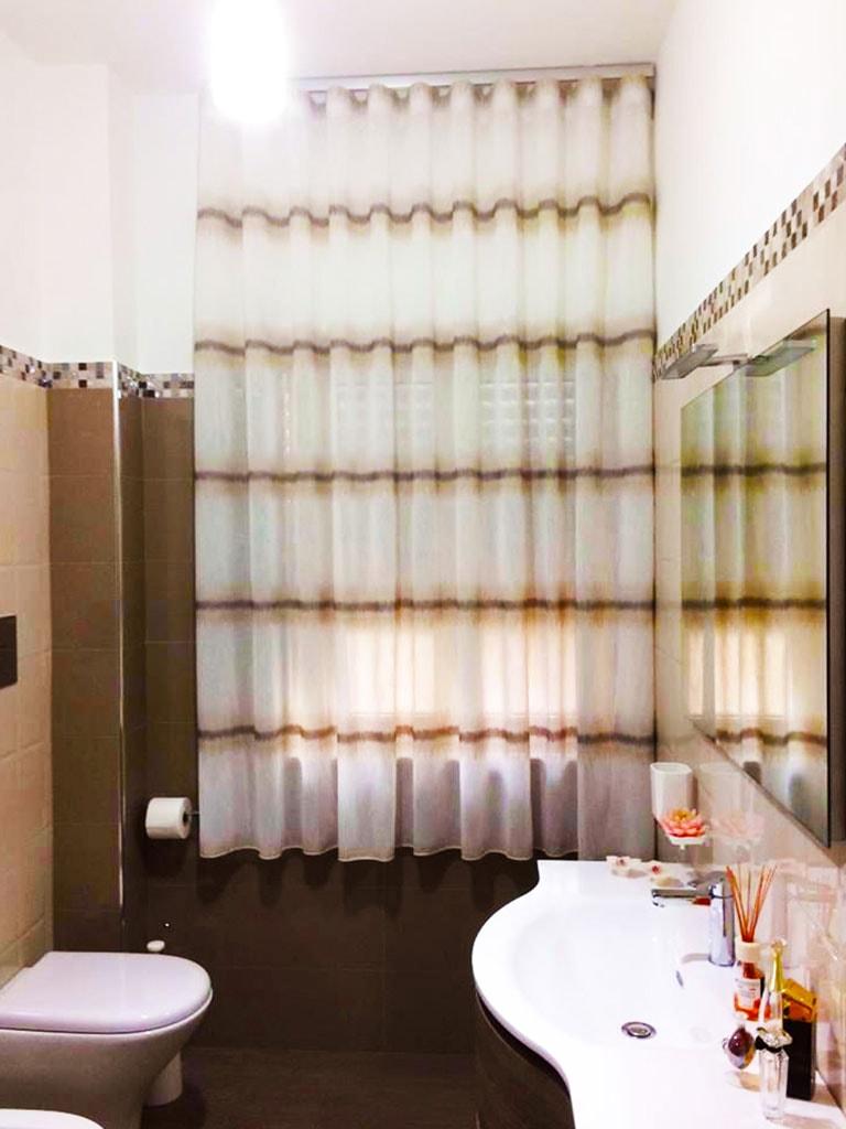 tenda interna bagno